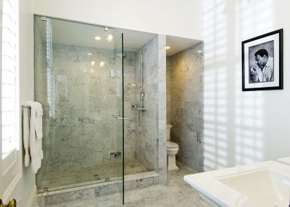 Contemporary Deluxe Bathroom